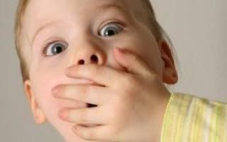 Запах лука изо рта у ребенка причины и лечение