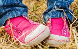 Ребенок при ходьбе не наступает на пятку при ходьбе лечение