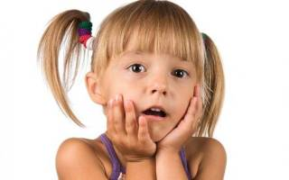 Почему опухла губа после лечения зуба у ребенка?