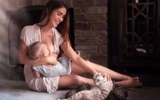 Что дает младенцу грудное молоко?