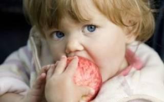Бывает ли аллергия на яблоки у детей